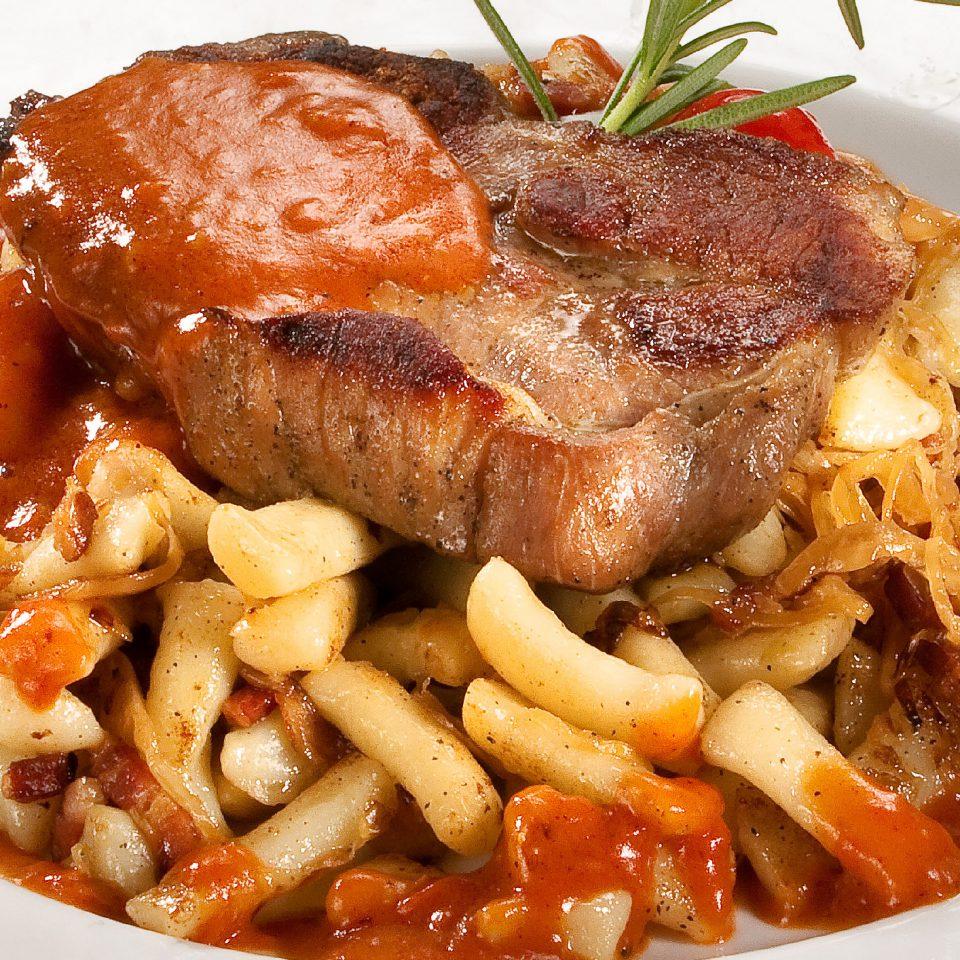 Tarja steak káposztás nudlival
